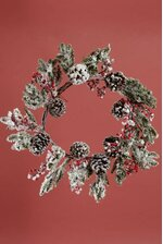 22'' SNOW PINE BERRY WREATH NATURAL