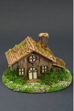 """8.5"""" X 5.5"""" BIRCH HOUSE W/LOG ROOF NATURAL"""